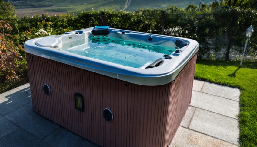 How Does a Hot Tub Work – Explained by Industry Experts