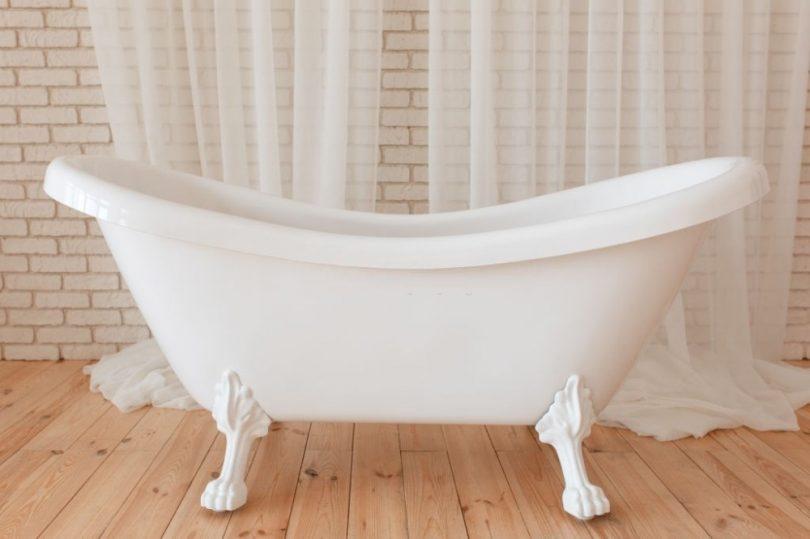 Acrylic Bathtubs Pros and Cons