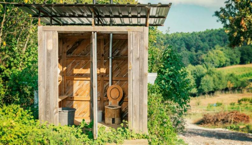 how do composting toilets work